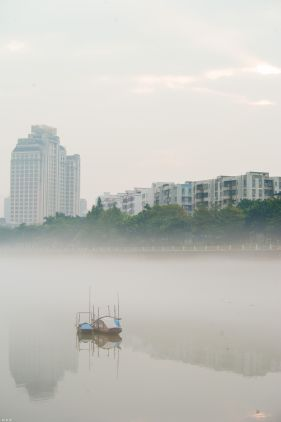 雾锁西南涌